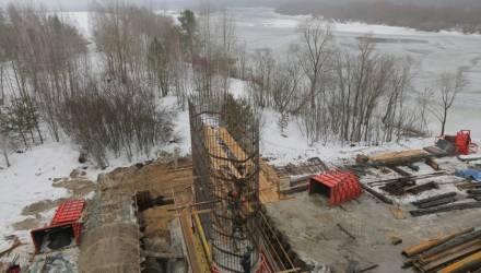 Мост на объездной под Гомелем строят в круглосуточном режиме