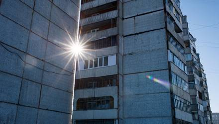 В больнице умер подросток, выпавший из окна многоэтажки в Добруше