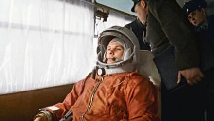 Улыбка и звёзды Гагарина. Редкие фото из жизни первого космонавта