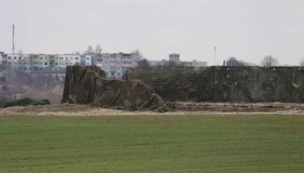 Заброшенную ферму замаскировали в Барановичах к приезду Лукашенко