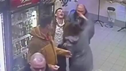 Девушка-продавец рассказала, как отправила в нокаут буйного покупателя