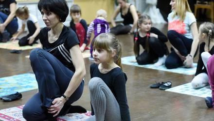 """""""Ученики в восторге!"""" На занятия хореографа гомельской школы искусств приходят родители"""