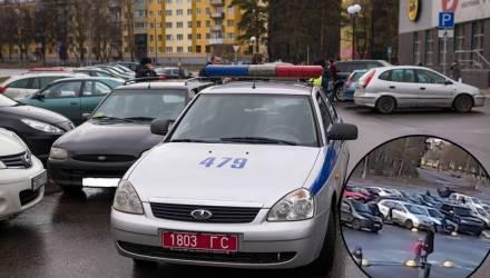 В Светлогорске мальчик выбежал из торгового центра прямо под колёса «Форда» (видео)