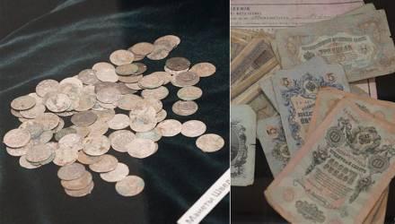 В Беларуси школьник нашёл клад, за который можно было купить имение