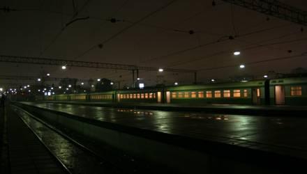 Под Гомелем мужчина не заметил поезд и его переехало составом