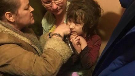 В Москве спасли девочку-маугли со вросшим в кожу предметом