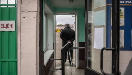 """""""Не могут ничего исправить, но обещают купить чайник"""". В автопарках Минска проходят собрания с водителями, заявившими о проблемах"""