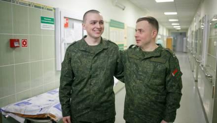 «О себе уже не думал». Офицер рассказал, как спас солдата, уронившего в Печах боевую гранату в окоп