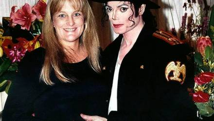 Жена Майкла Джексона, родившая ему детей, заявила, что у них не было интимной близости