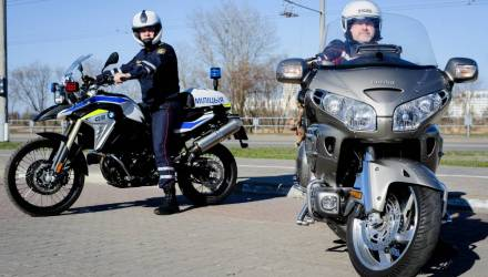 """Гомельские инспекторы пересели на мотоциклы и объявили """"охоту"""" на кастом-байки и двухколесных бесправников"""