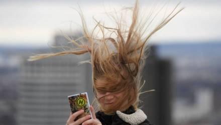 На пятницу объявили оранжевый уровень опасности – в Гомеле порывистый ветер до 22 м/с