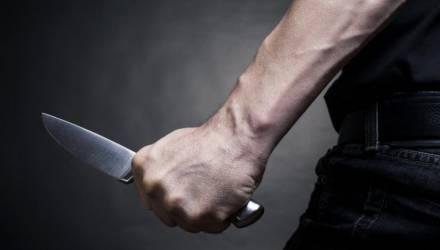 В Гомеле студент трижды ударил 23-летнюю девушку ножом и похитил её сумку