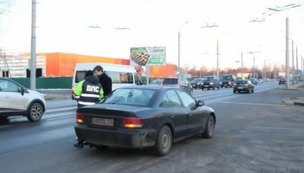 Внимание! Со среды в Гомеле, а также на территории 6 районов много сотрудников ГАИ будут следить, как водители пропускают пешеходов