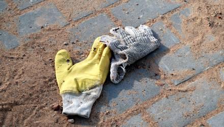 """""""Сам виноват"""". На Гомельщине работник СПК упал с фаркопа ехавшей легковушки и умер"""