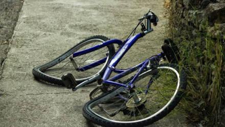 В Рогачёве велосипедист разбился насмерть, упав с невысокого крыльца