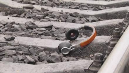 В Рогачёве поезд сбил 16-летнюю девушку в наушниках – от удара она отлетела на 18 метров