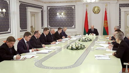 """""""Обнаглели и начинают нам выкручивать руки"""". Лукашенко резко высказался в адрес РФ и поручил поставить на ремонт нефтепровод """"Дружба"""" Гомельтранснефти"""