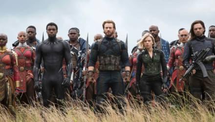 """Последние """"Мстители"""" за три дня заработали больше миллиарда долларов"""