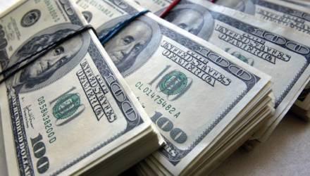 Курс доллара всех удивит