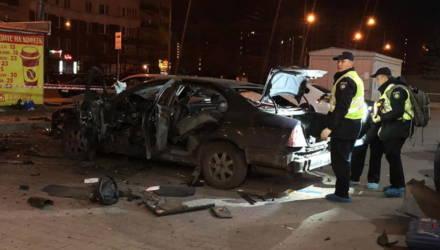 Украинец пытался заминировать машину, но подорвался сам — видео