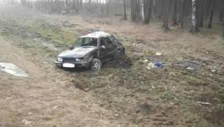 В Чечерском районе VW Golf улетел в кювет и перевернулся. Несмотря на жуткие кадры последствий, водитель выжил