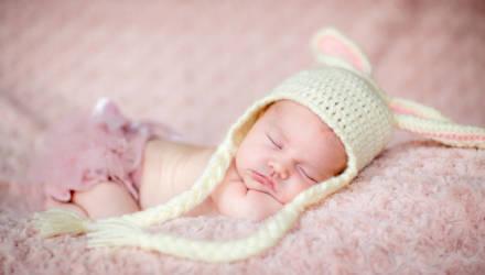 В Беларуси с 1 мая повысят бюджет прожиточного минимума и пособия при рождении детей