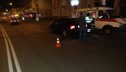 В Гомеле сбили пешехода, а в Добрушском районе бесправник на легковушке врезался в столб и умер
