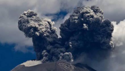 В Мексике извергается самый опасный в мире вулкан Попокатепетль — видео