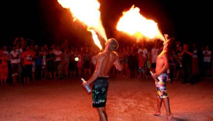 Фокусы и фаер-шоу на пляже - в Гомеле организуют праздник для особенных детей