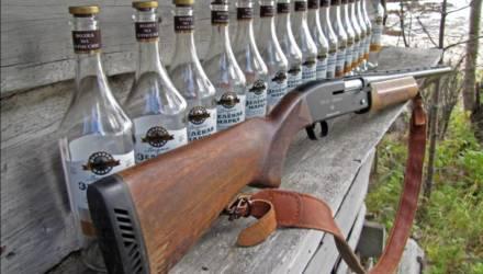 Житель Речицкого района во время совместной попойки выстрелил собутыльнику в ногу