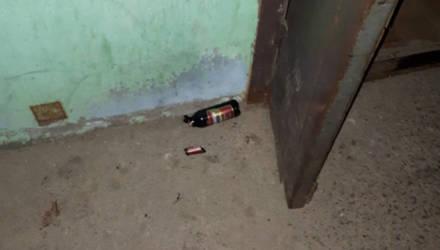 В Жлобине прохожий попросил сигарету, а когда получил отказ – разбил бутылку пива о голову обидчика