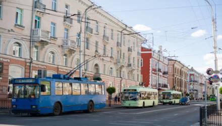 В Гомеле колясочник попросил водителя троллейбуса помочь ему с посадкой. «Нет времени», — бросил тот