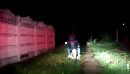 Видеофакт: в Чёнках сотрудники ГАИ преследовали пьяного мотоциклиста и его пассажира с бутылкой пива в руках