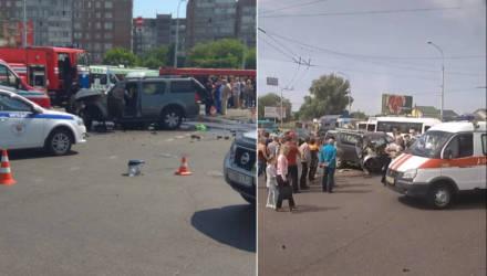 Страшное ДТП в Гомеле: внедорожник Nissan влетел в столб – погиб пассажир (фото, видео)