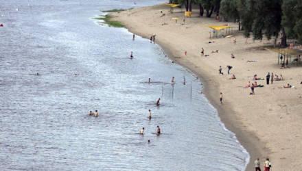 Купальный сезон: чего не хватает гомельским пляжам?