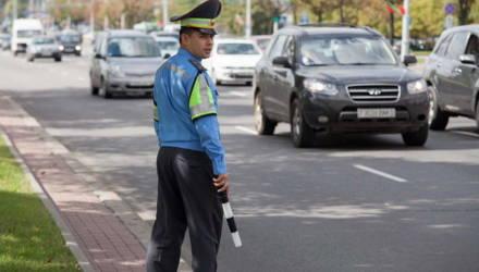 ГАИ: С субботы водителей будут штрафовать за невключенный днём свет фар