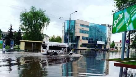 Возле университета потопов больше не будет. Коммунальники рассказали, почему в ливни «плавает» Гомель