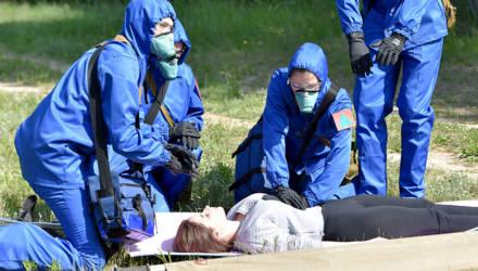 В лесу под Гомелем сандружины городских предприятий состязались в спасении раненых коллег
