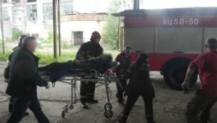 В Речице мужчина обследовал цех и провалился под пол: понадобилась помощь спасателей