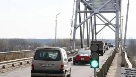 В Рогачёве мост через Днепр может лишиться светофора