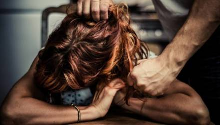 """""""Думал, что она спит"""". На Гомельщине мужчина забил сожительницу до смерти"""