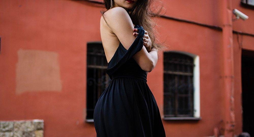 Платье нужно, чтобы его снять? Как смотрят на платье мужчины и женщины