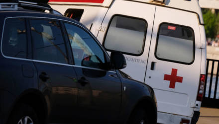Пациент выпрыгнул на ходу из скорой в Гомельском районе