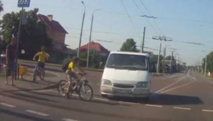 Гомельская ГАИ нашла водителя, который едва не сбил ребёнка на велосипеде