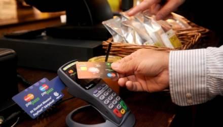 «Дал объявление о продаже вещей, а с карточки увели деньги». Появился новый способ мошенничества