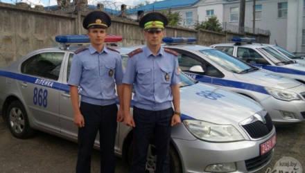 Бывает и такое: белорусские милиционеры переставили машины выпивших туристов на водохранилище. Что потом сделали водители?