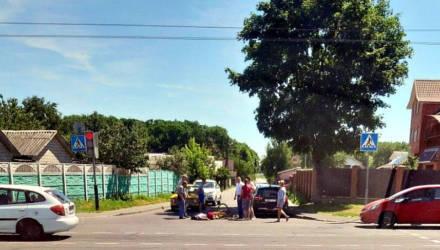 Фотофакт: в Гомеле на пешеходном переходе сбили женщину-велосипедистку
