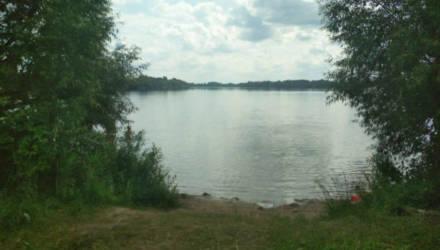 Он начал тонуть – она вышла из озера. СК возбудил дело в отношении пьяной матери погибшего 2-летнего малыша