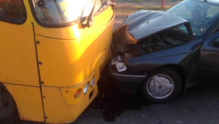 В Добруше погоня за пьяным водителем закончилась лобовым столкновением с автобусом