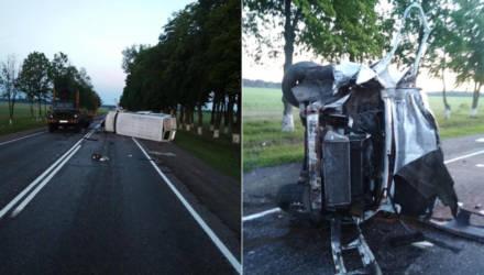 В Калинковичском районе молодой человек за рулём микроавтобуса рано утром догнал ЗИЛ – пострадали пассажиры: мужчина и две женщины